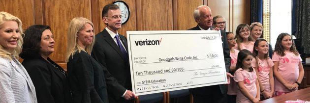 Virginia Beach Mayor Will Sessoms and Verizon Foundation Award Grant to Goodgirls Write Code