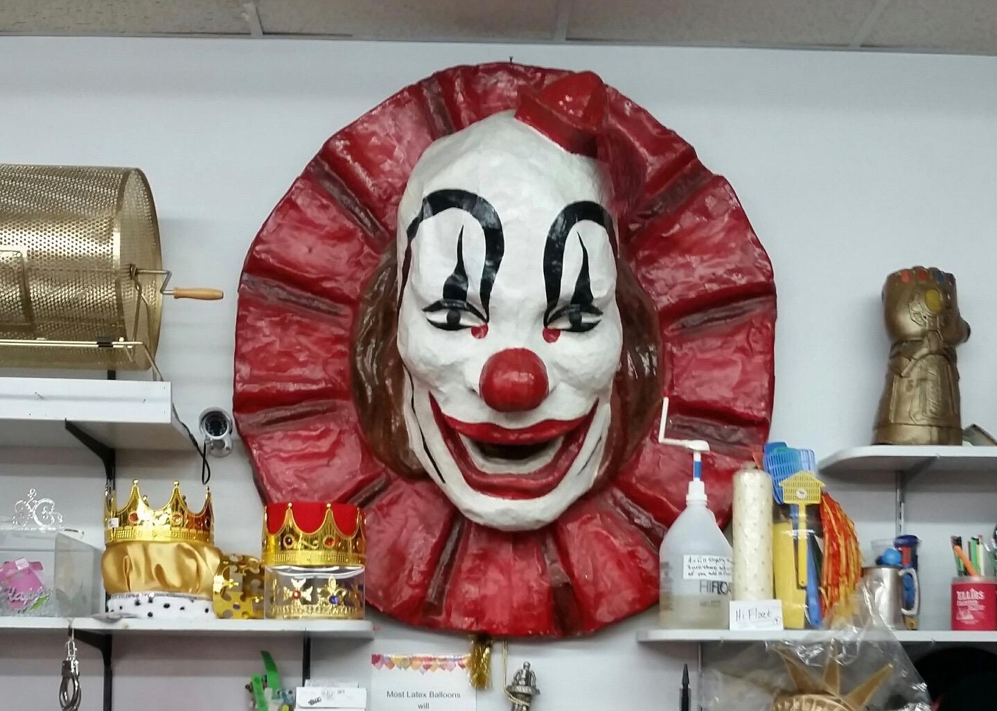 Novelties Unlimited clown