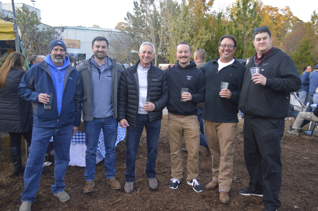 oyster roast for Virginia Living Museum